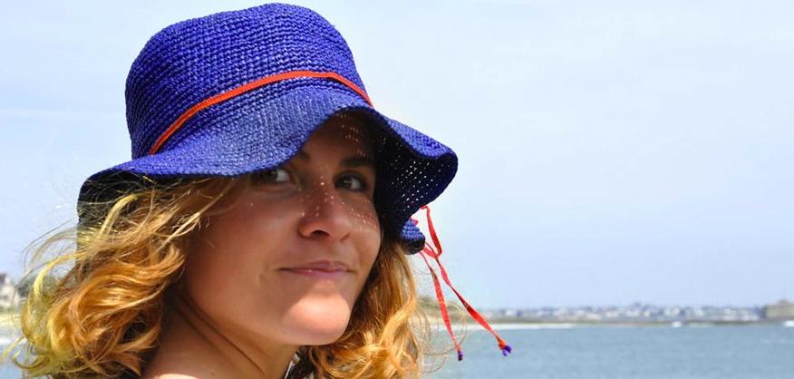Une tête à chapeaux !